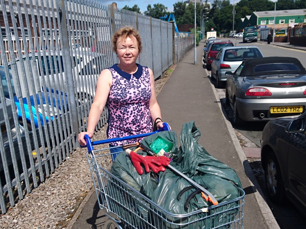 Fenella Bowden litter picking